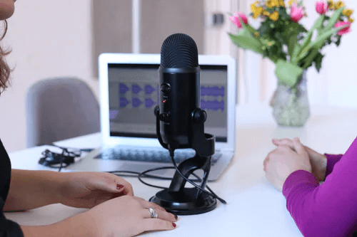 Tips for Choosing the Right Podcast Hosting Platform