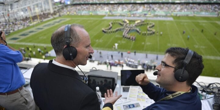 How Do Sports Broadcasting Companies Make Money In This Day and Age?